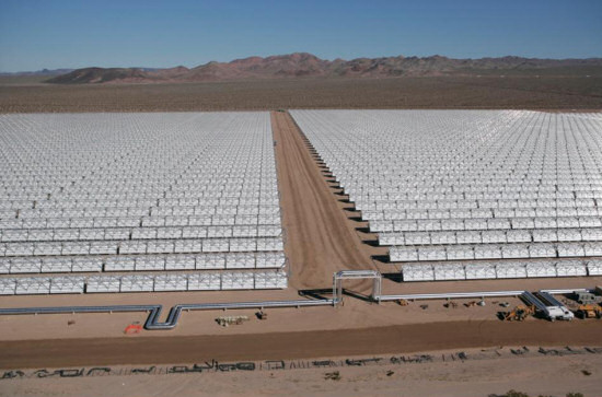 An aerial view of Nevada Solar One - 300 acres and 760 mirror arrays. Image courtsey of ACCIONA