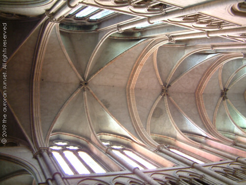 Sexpartite ribs in the vaulting of the nave at Lyon cathedral