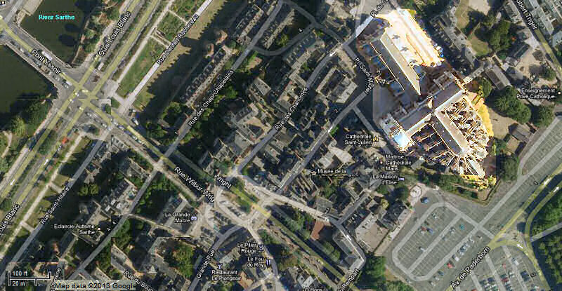 Google satelllite view of Le Mans cathedral and its environs, including the River Sarthe