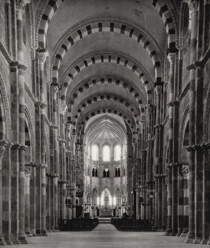 Vezelay cathedral interior
