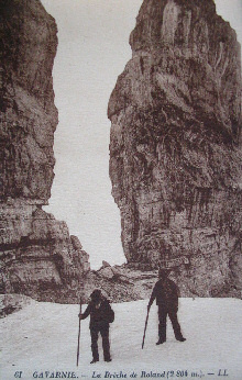 Old postcard showing the Breach of Roland