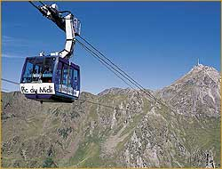 The Pic du Midi cable-car.