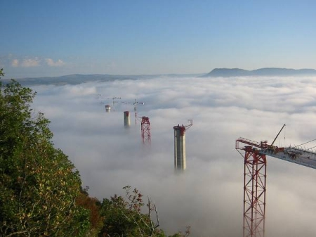 Viaduct de Millau under construction. Image credit: http://www.structurae.de