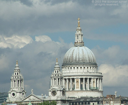 St.Paul's Cathedral. Image credit: the auroran sunset