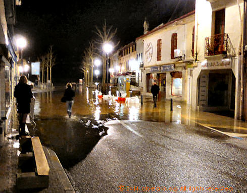 Landes town flooded, by night 2014